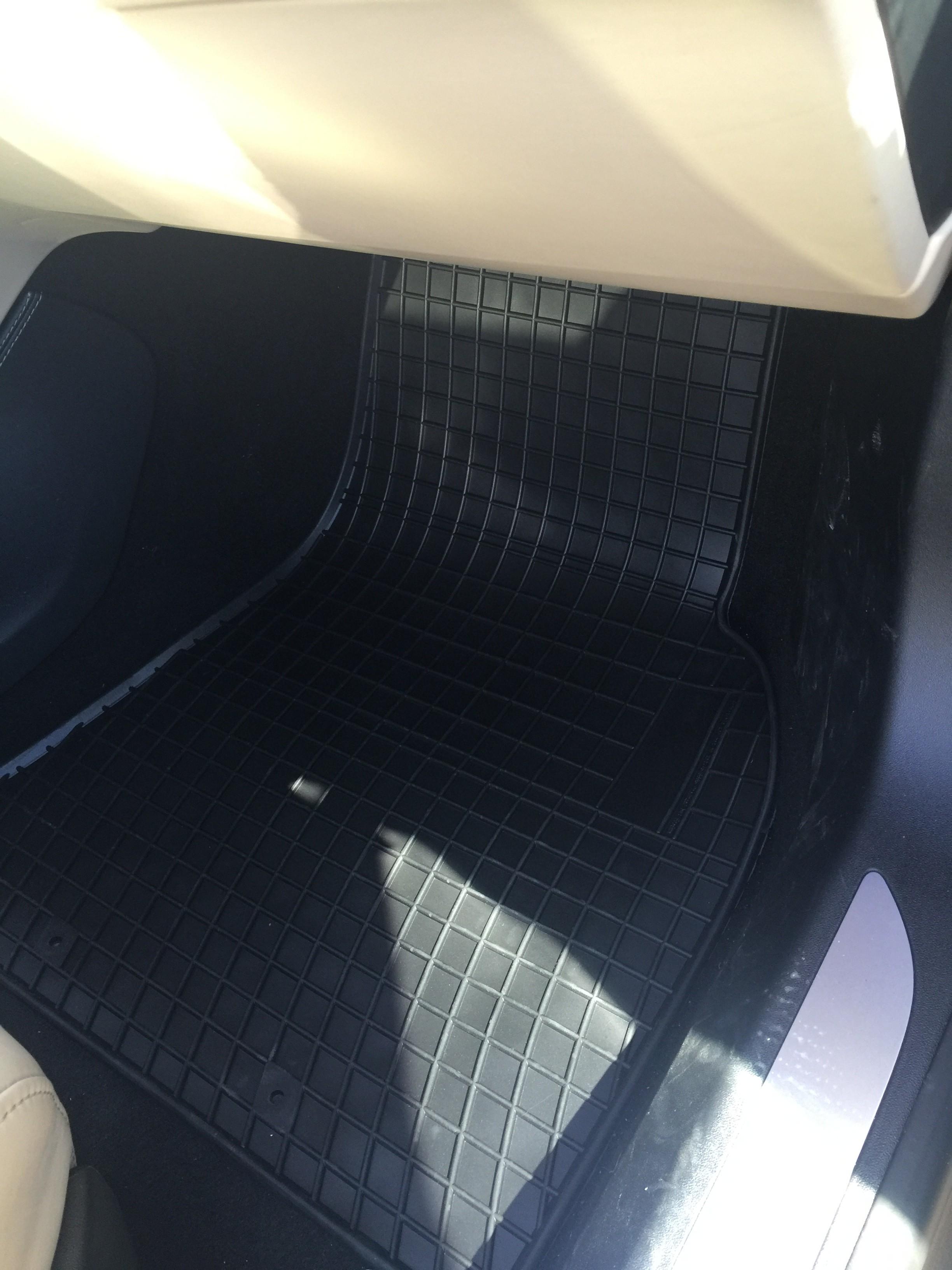 Tesla S (2012-) - Gummi måtter