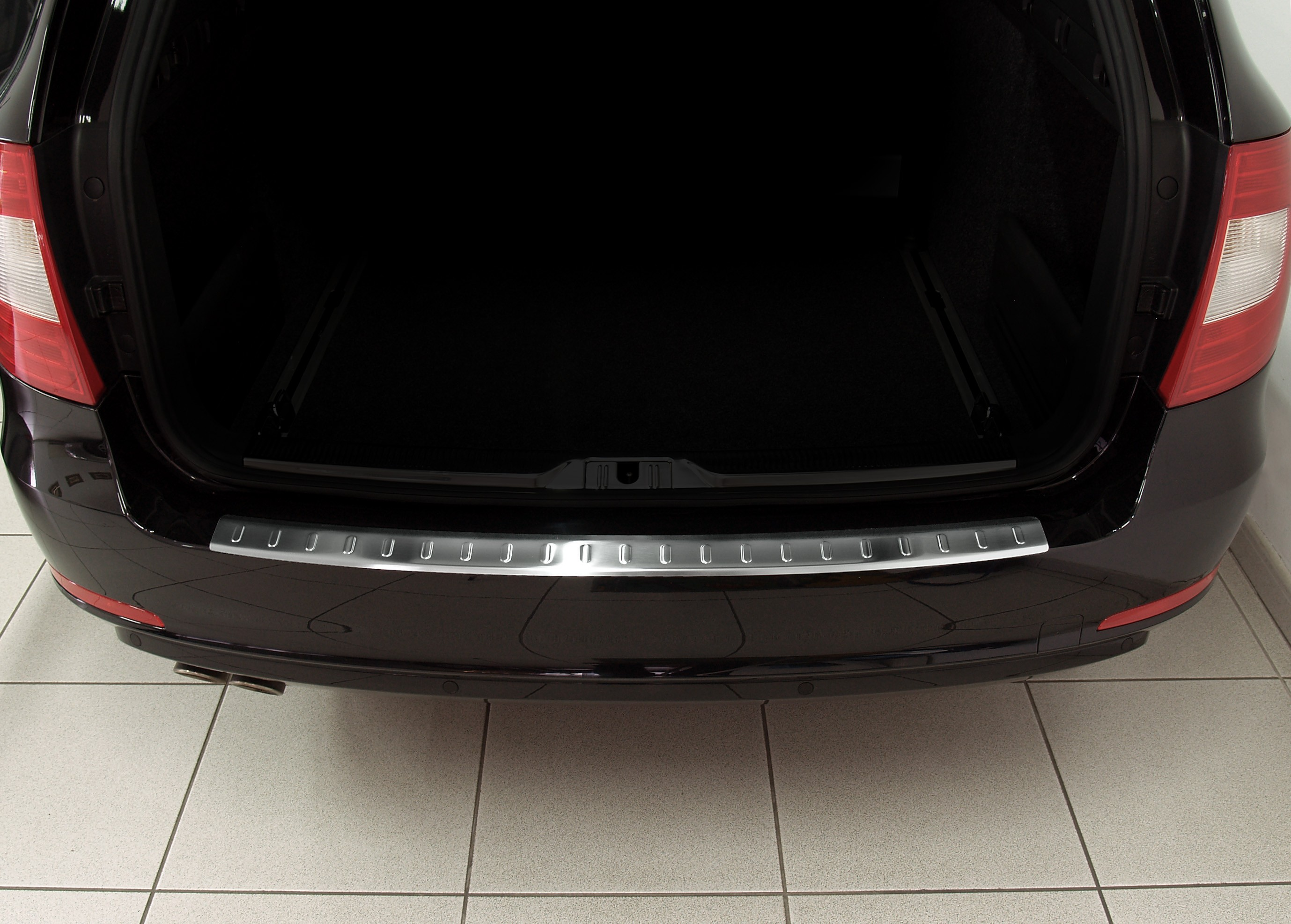Skoda SUPERB B combi profiled ribs 2009-2013