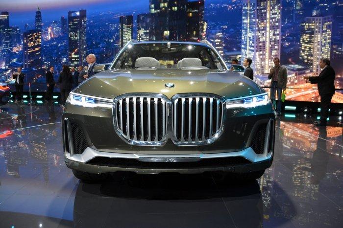 BMW-X7-grill